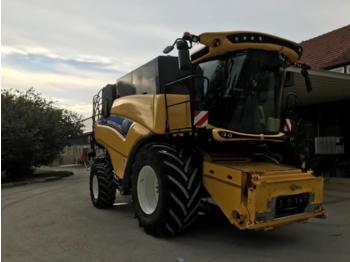 New Holland cr 8.80 - combine harvester