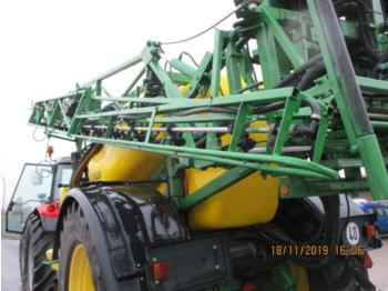 Trailed sprayer John Deere 840: picture 3