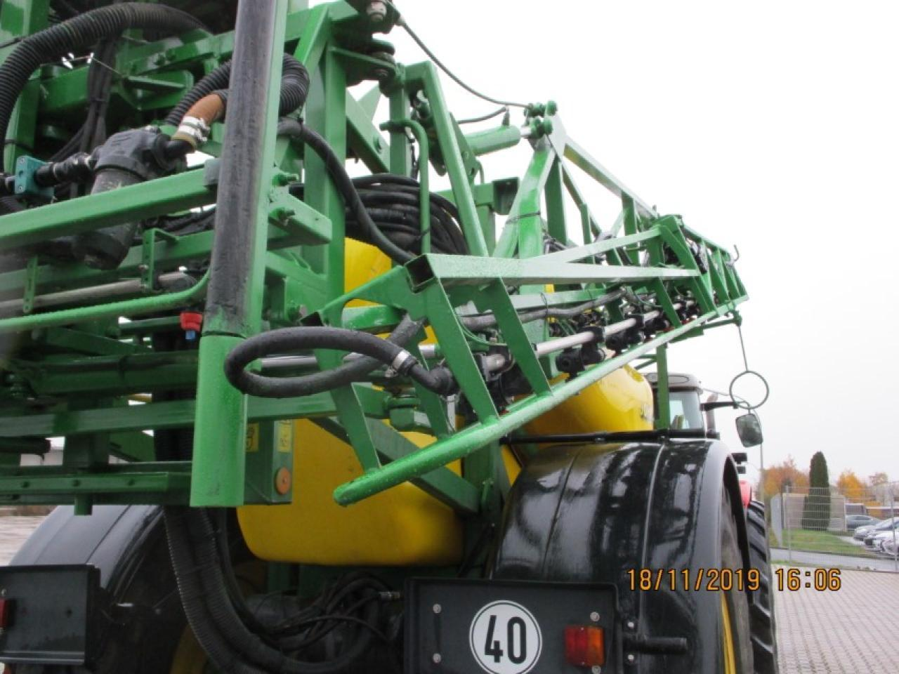 Trailed sprayer John Deere 840: picture 5