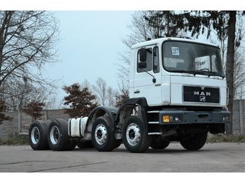 MAN 32.322 chassis 8x4 1994 - cab chassis truck